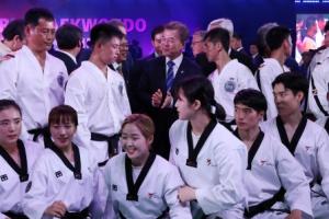 """靑 """"평창올림픽 남북단일팀? 北 참가여부 확정 후 논의"""""""
