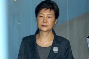 이재용, 박근혜 재판 증인 출석 다음달 10일로 변경