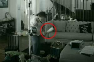 희귀병 앓는 유아 때린 보모 CCTV 포착
