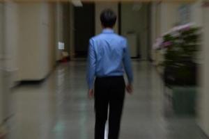 일 안해도 돈 나오는 공무원 '공로연수' 논란