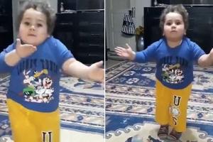이슬람 축제 맞아 춤추는 터키 소년 화제