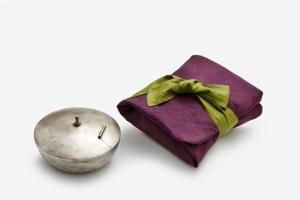 봉황 한 쌍 품은 보자기… 겹겹이 비단 감싼 옥책… 품격 있는 왕실 포장술