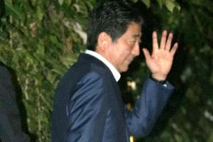 오만·불통이 참패 불렀다… 국민 심판 당한 '아베 리더십'