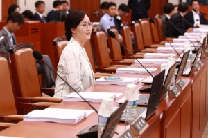 한국당 김현아 오늘도 '소신 행보'…바른정당 자문위원까지