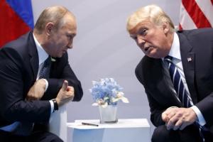 트럼프 푸틴 마주친 후 어깨 가볍게 두드린 뒤 헤어져