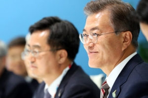 문 대통령, G20 마지막날 일정 시작…마크롱 프랑스 대통령과 회담