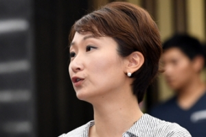 [포토] '노동자 비하 발언' 이언주 의원, 국회 긴급의총 참석