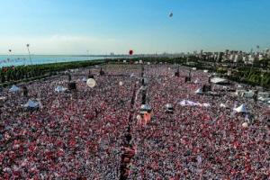 터키 이스탄불 200만명 반정부 시위