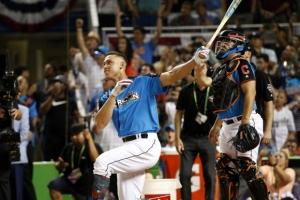 '괴물 신인' 애런 저지, MLB 홈런 더비까지 우승