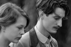 <리뷰>전쟁이 지나간 뒤 찾아온 거짓말과 죄책감···영화 '프란츠'