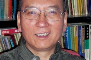 중국 인권운동 상징 류샤오보, 간암으로 사망…中, 인권탄압 비판 직면