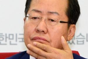 """홍준표 """"정치쇼 해도 우리는 갈 길 간다"""" 靑회동 불참 재확인"""