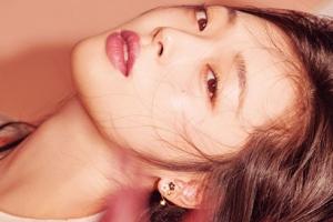 설리, 뷰티 화보 공개…'소녀와 여인 그 어디쯤'