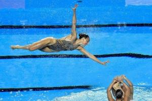 [포토] '물 위를 날듯' 놀라운 공중 퍼포먼스