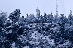 지구 반대편 칠레는 46년 만에 기록적 폭설