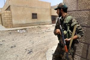 """쿠르드·아랍연합군 """"IS 근거지 '락까' 일부 해방…전체 35% 탈환"""""""