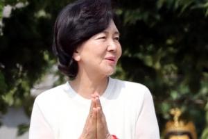 홍라희 해운정사 찾아 남편·아들 위한 불교의식 지내