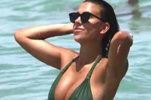 [포토] 마이애미 해변에 나타난 완벽 볼륨몸매