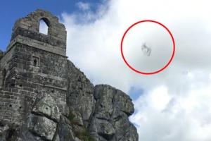 영국 상공서 변형하는 트랜스포머 UFO 포착?