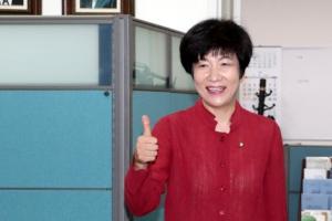 """노조활동가 출신… """"양극화·일자리 개선"""""""