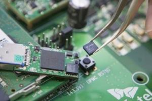 SKT, 해킹 불가능한 양자암호통신 핵심 칩 개발
