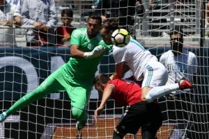 맨유 vs 레알 1-1 무승부…린가드·카세미루 1골씩
