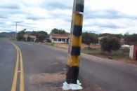 [팝영상] 브라질 도로 한복판에 세워져 있는 전신주