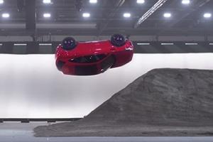 270도 회전하는 자동차…기네스북에 오른 영화 같은 장면