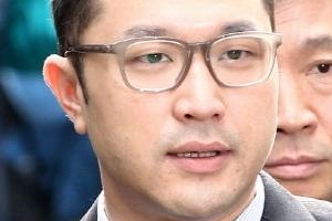 """MB 아들 이시형 """"고영태 모른다""""…마약투약 의혹 일축"""