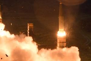 북한 미사일 발사 6시간 만에…한미, 탄도미사일로 맞대응