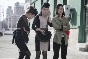미니스커트, K팝 야구모자 등장한 북한