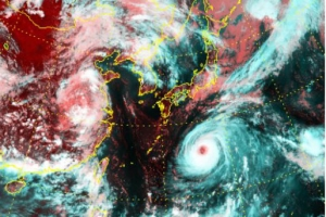 일탈 거듭하는 태풍 노루…질긴 생명력에 난데없는 남서진도