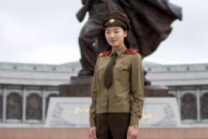 [포토] 전쟁기념관에서 물놀이장에서… 북한 여성들의 일상적인 모습
