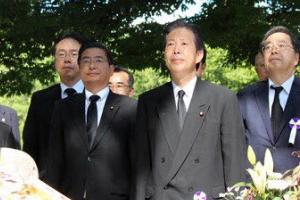 """아베 """"'핵무기 없는 세계' 실현""""… 전쟁 피해만 기억하는 日"""