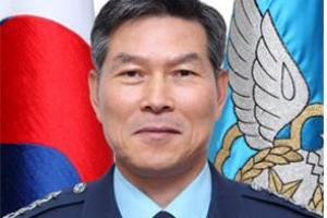 합참의장에 정경두 공군총장 '23년만에 공군 출신'…박찬주 대장 군인 신분 유지