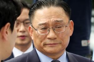 '공관병 갑질' 의혹 박찬주 대장, 국방부 '전역 연기'에 항의