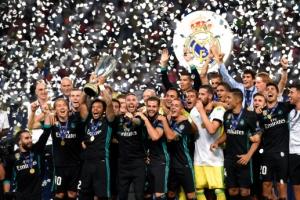 유럽 왕중왕 인증샷…레알, 맨유 누르고 슈퍼컵 또 품었다