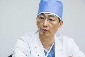 귀순 북한 병사, 8곳 장기손상 관통상…수술 이국종 교수 누구?