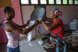 쿠바 개방의 그늘… 관광객 넘치는데 생필품 태부족