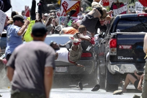'리' 동상 철거 놓고 충돌하다 차량 돌진…'미국 내 테러리즘'