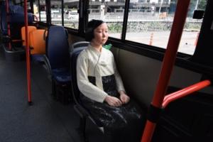 """日 """"버스 소녀상, 양국 관계에 찬물""""…'韓시민도 비판' 왜곡 보도"""