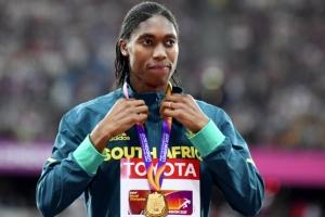 [포토] 세메냐, '성별 논란' 딛고 여자 800m 금메달