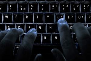국정원 '민간인 댓글부대' 자료 확보한 검찰…MB 수사할까