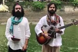 전쟁할 것 같은 인도-파키스탄 가수들 국가 섞어 부르다