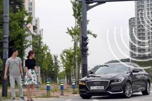 '도로와 교신' 자율차 시대 앞당기는 현대차