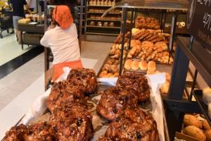 [살충제 달걀 파문] 제빵·제과 생산 중단 걱정… 식당선 달걀말이 퇴출