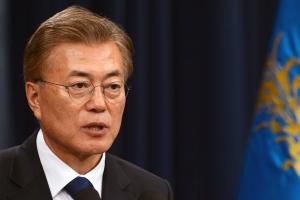 문재인 대통령 지지율 84% 육박…정당 지지도 민주당 1위