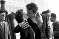 <새영화> '파리 시청 앞에서의 키스: 로베르 두아노'…