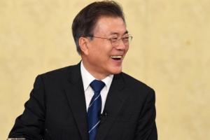 [서울포토] 웃고 있는 문재인 대통령