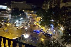 바르셀로나 테러 운전자 도주한 듯…IS, 배후 자처 공식성명 발표